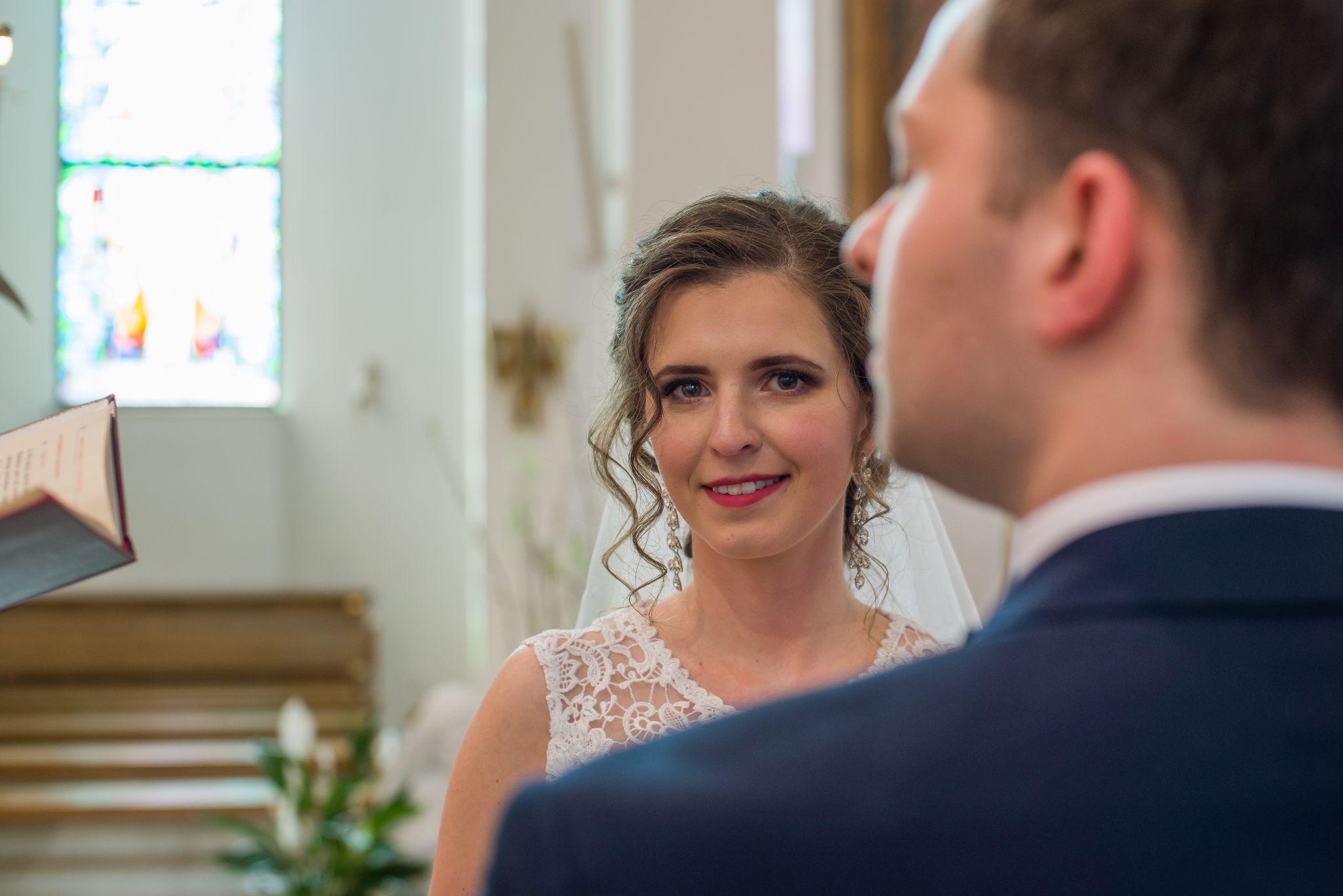 zdjęcia z przysięgi małżeńskiej