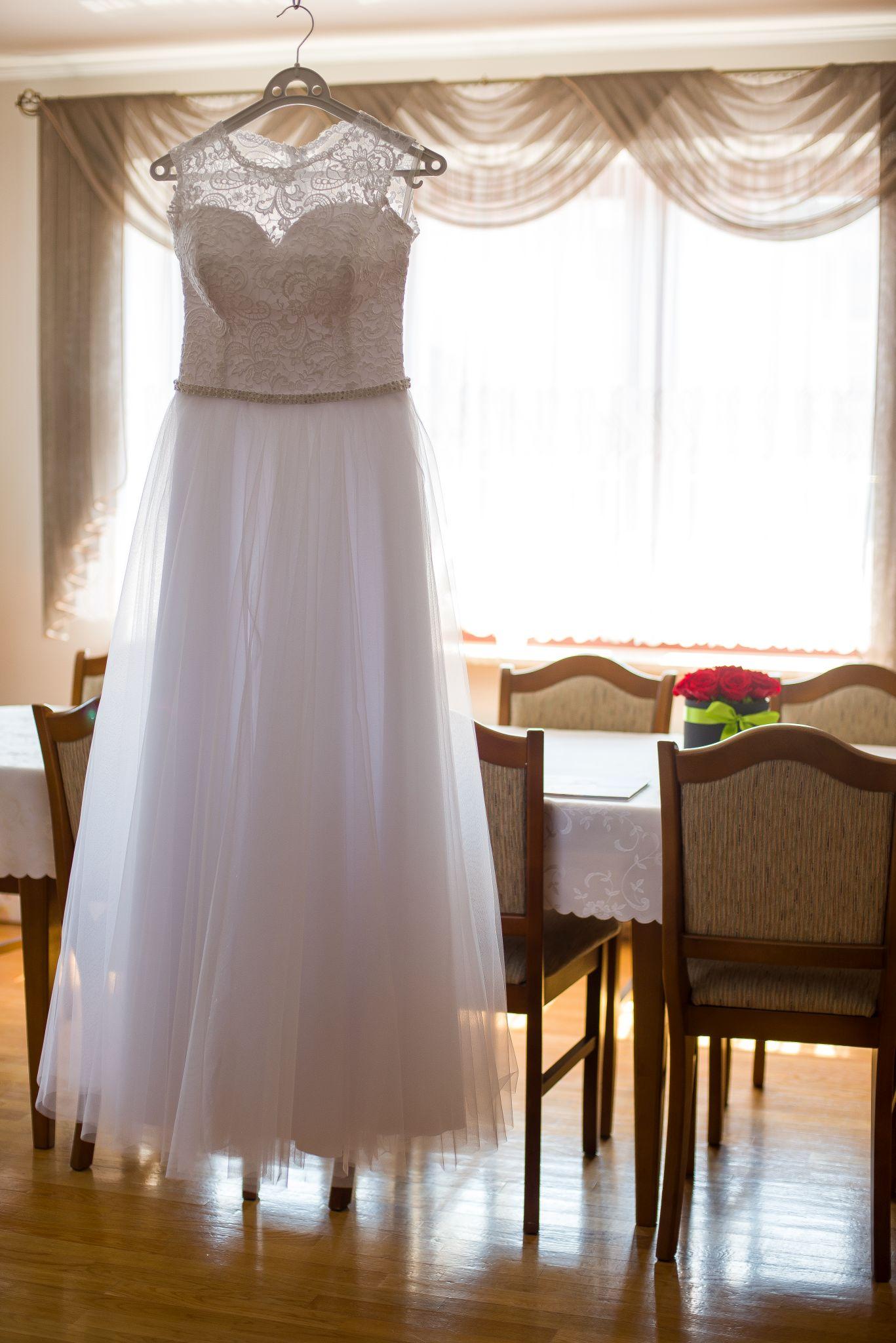 zdjęcia sukni ślubnej