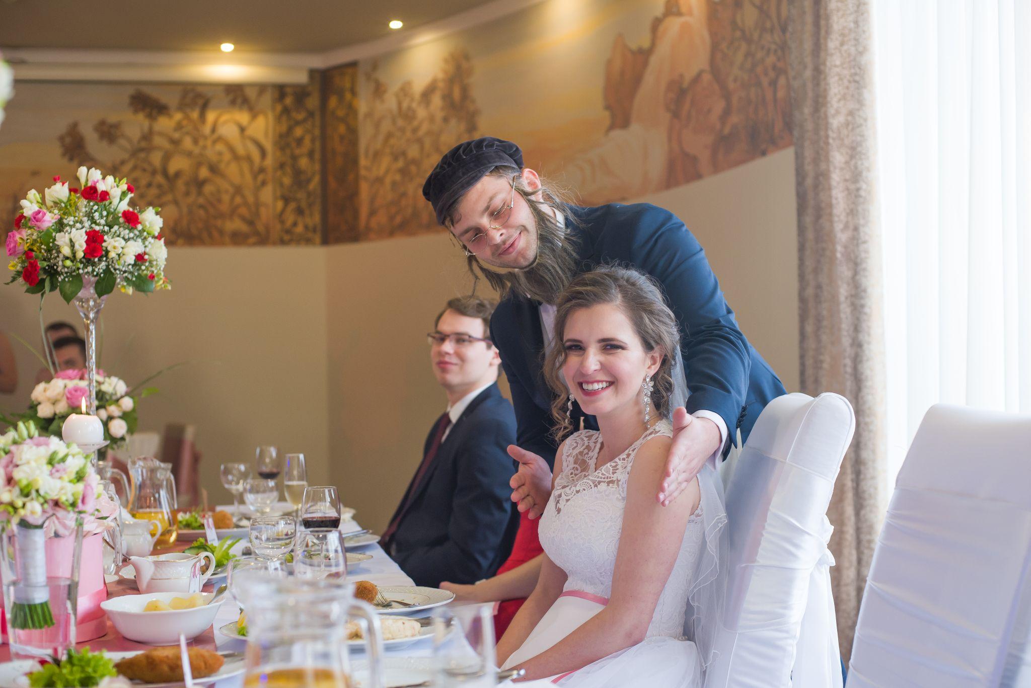 zabawy w trakcie wesela fotografie ślubne