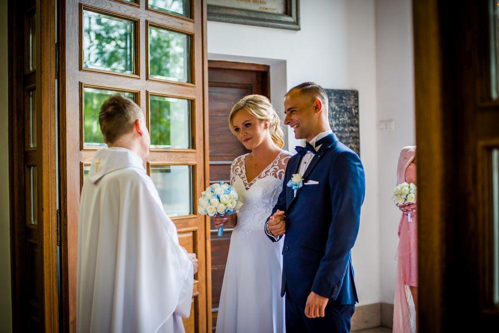 kościół pruszków zdjęcia ślubne
