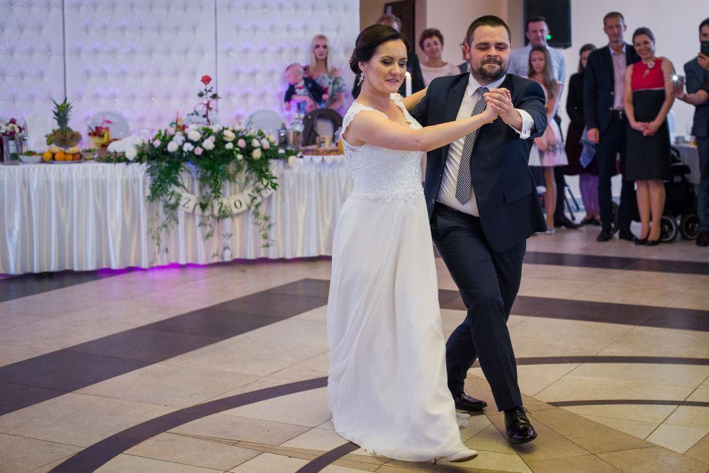pierwszy taniec fotografia ślubna Kobyłka