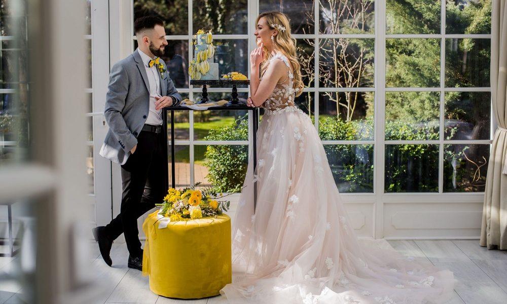 Kolory roku 2021 w branży ślubnej – odkryj je!